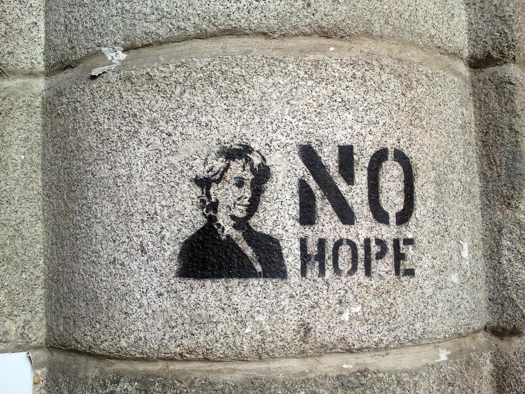 Una docena de frases para la Esperanza (Aguirre)