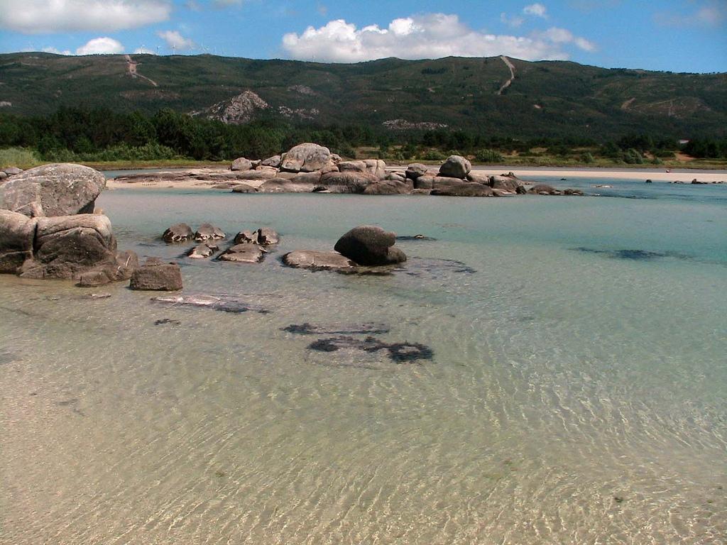 Una docena de playas para perderse en Galicia