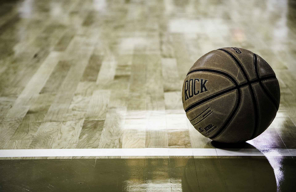 Una docena de razones por las que el baloncesto FEB se está muriendo