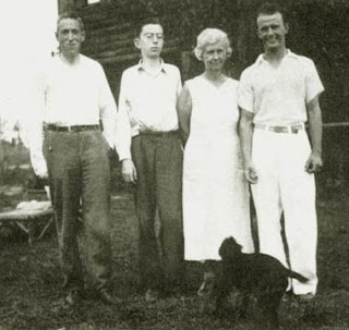 lovecraft-barlow-family