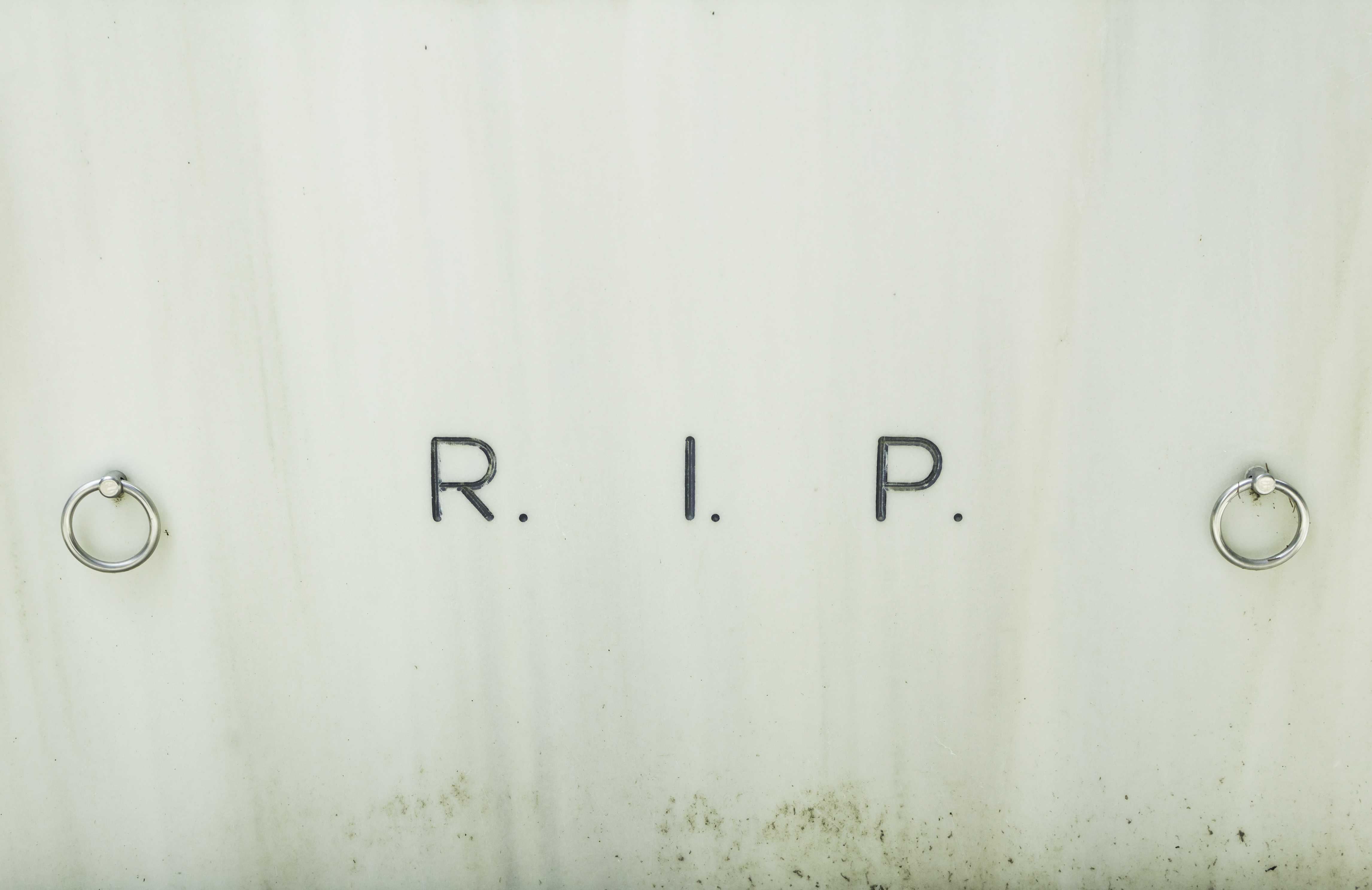 tumba RIP