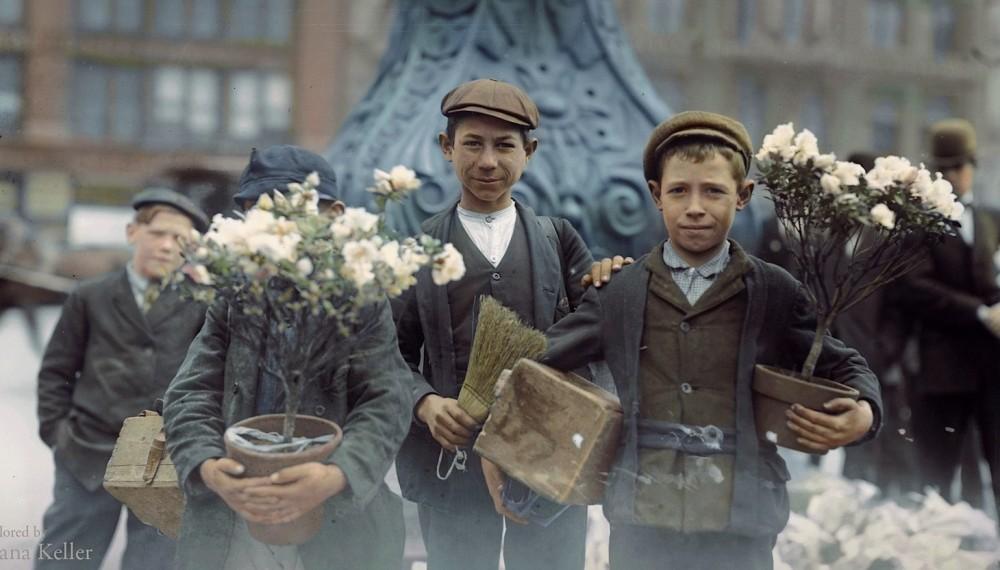 selling flowers 1908